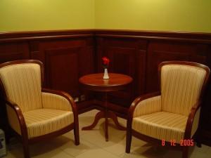 Restauracja SAN REMO Zgierz (filungi i pilastry z drewna bukowego)